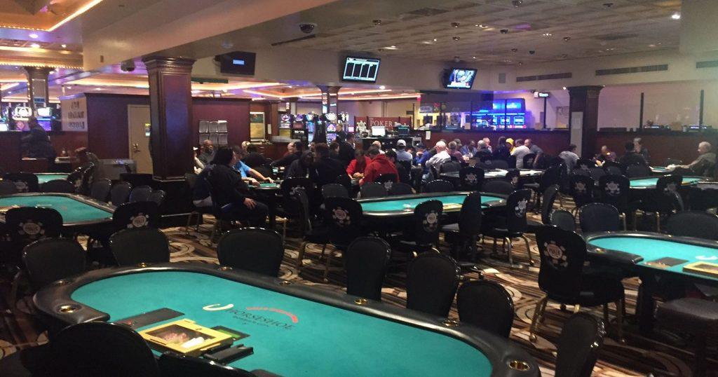 b&m poker set