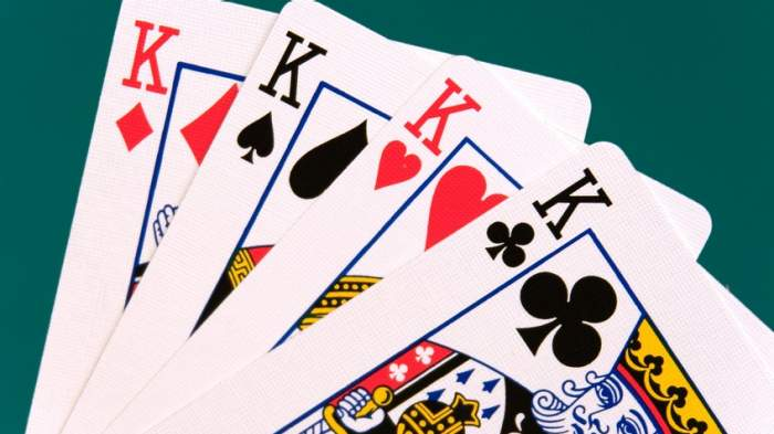 Game QQ Poker Online