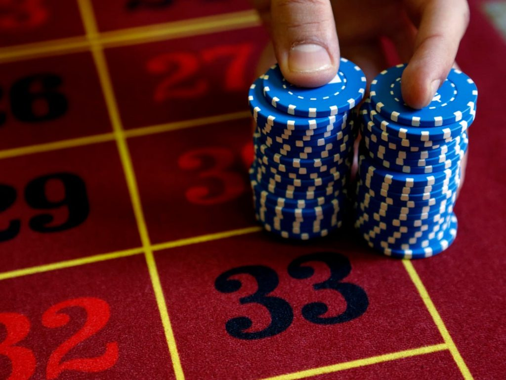 Internet Poker Bonuses – Important Benefits to Know